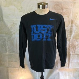Nike heavyweight long sleeve tee